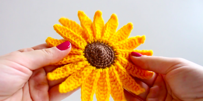 How to Crochet a Sunflower